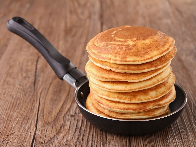 this is the feature image for the best pan for pancakes